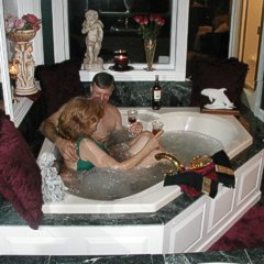 A Georgian Manner, HoneyMoon Suite Jacuzzi